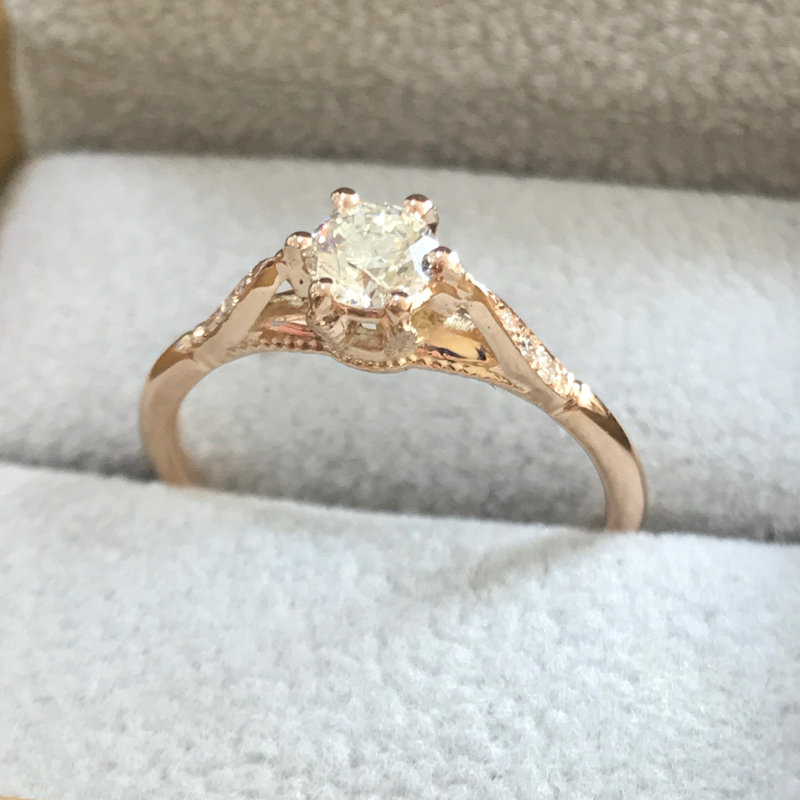 Vintage engagement ring 6 prongs