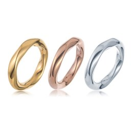 Special 3-rings set in silver, gold and rose-gold colours and a very unique design